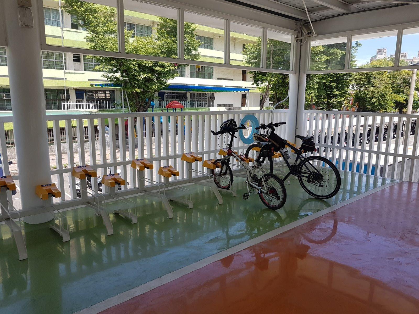 智慧型自行車架-3.jpg